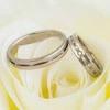 結婚記念日のお祝いの品選びや金額の相場は?